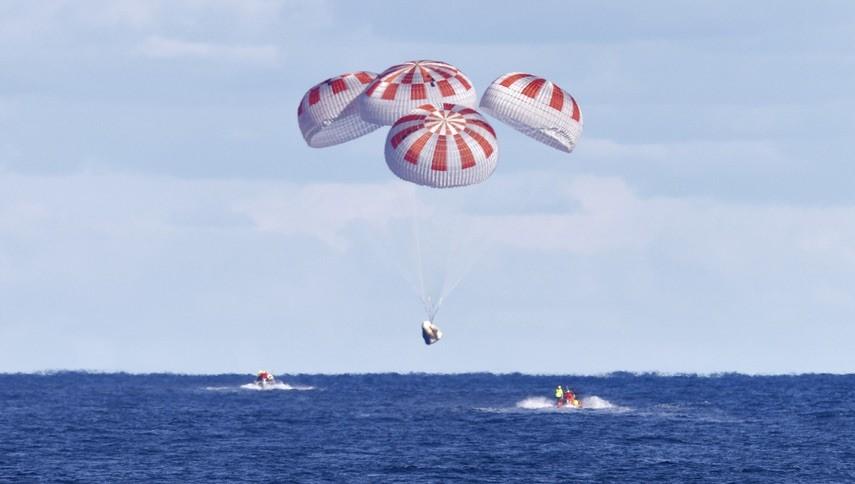 SpaceX DM-2 Crew Dragon Splashdown