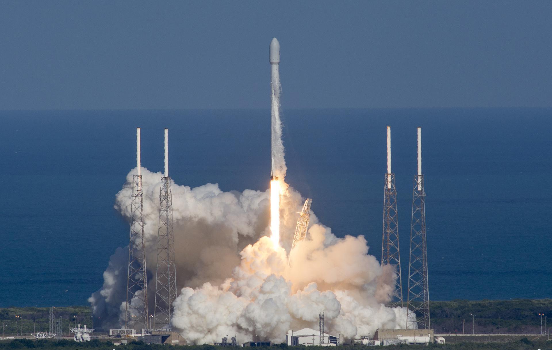 Falcon 9 Full Thrust | Amos 6 (Failure before launch)